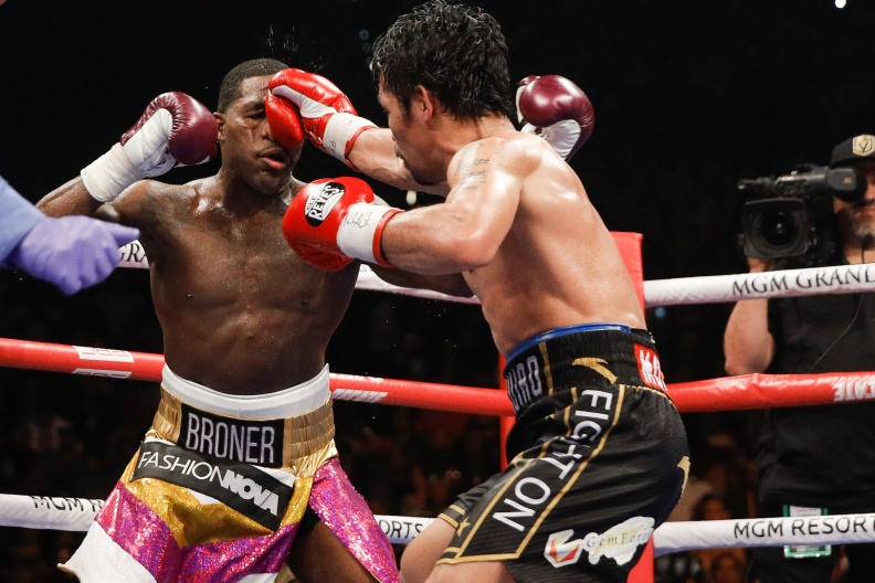 009_Manny_Pacquiao_vs_Adrien_Broner.jpg