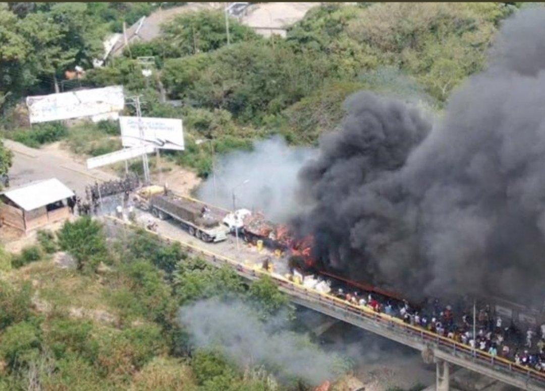 Truck Set On Fire Aid For Venezuelans On Venezuela Border