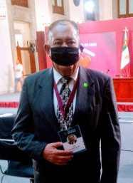luis cuadros palacio nacional mascara